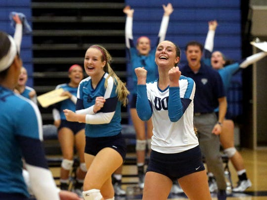 Siegel's Liz Bossong (00), set a single-season dig