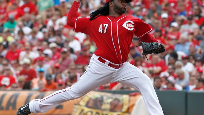 Cincinnati Reds starting pitcher Johnny Cueto throws against the Washington Nationals.