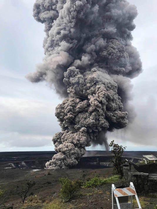 636615701130501692-Hawaii-Volcano.jpg