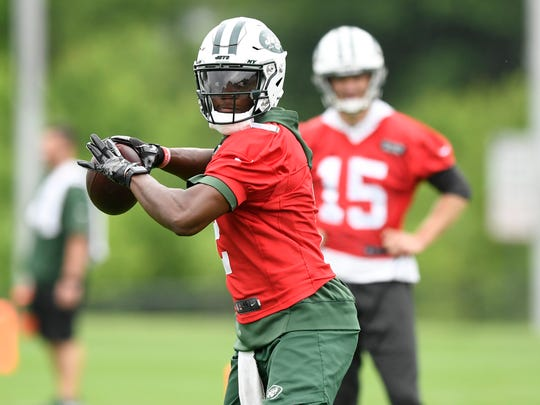New York Jets quarterback Teddy Bridgewater throws the ball on the first day of OTA's in Florham Park, NJ on Tuesday, May 22, 2018.