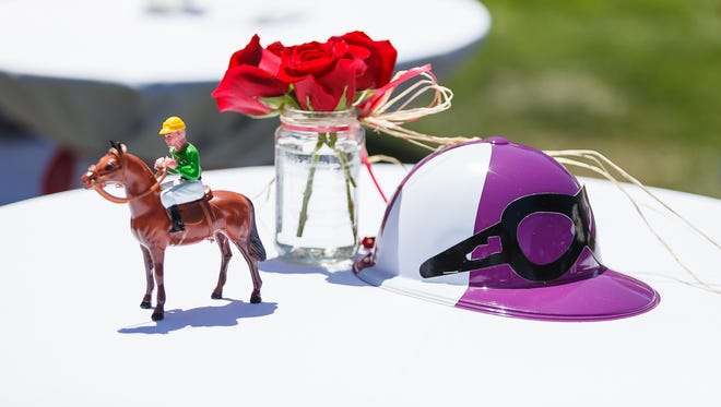 The annual Kentucky Derby Party benefiting FoodLink will take place from 1 to 4 p.m. Saturday, at the Visalia Country Club.