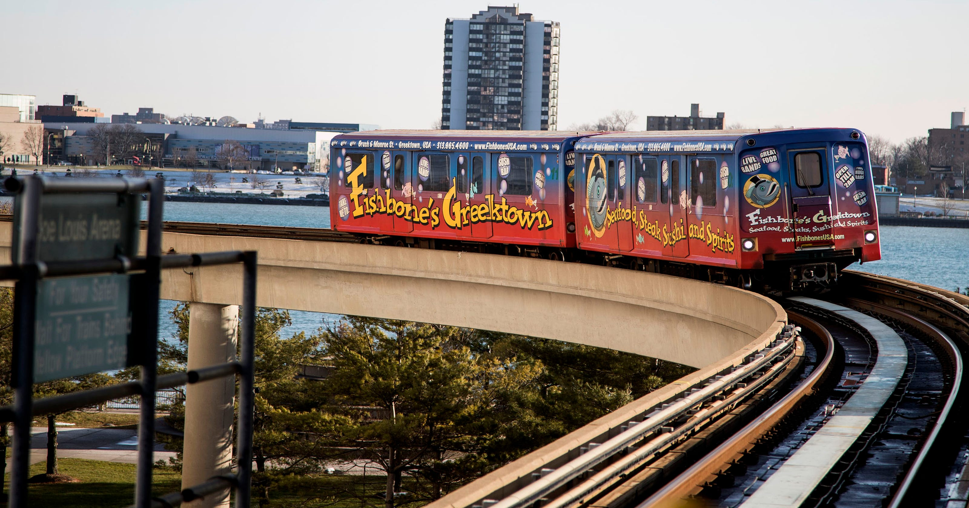 Heavy smoke prompts suspension of Detroit People Mover service