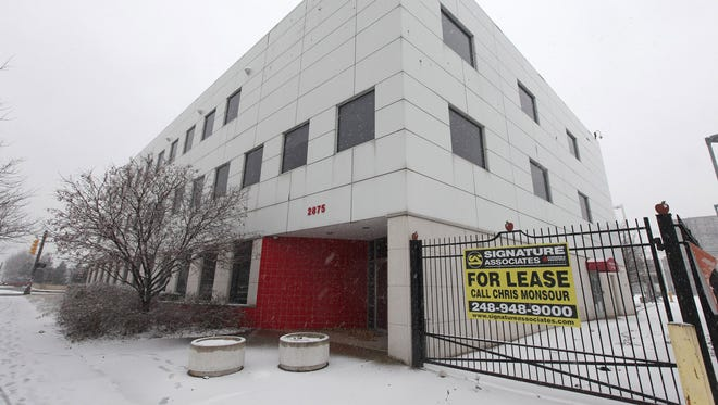 The city will lease the building at 2875 W. Grand Blvd. from Boulevard Holdings for 31/2 years for $2.7 million, starting the first year at $750,000.