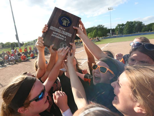 Mishicot softball celebrates with the WIAA D3 Sectional