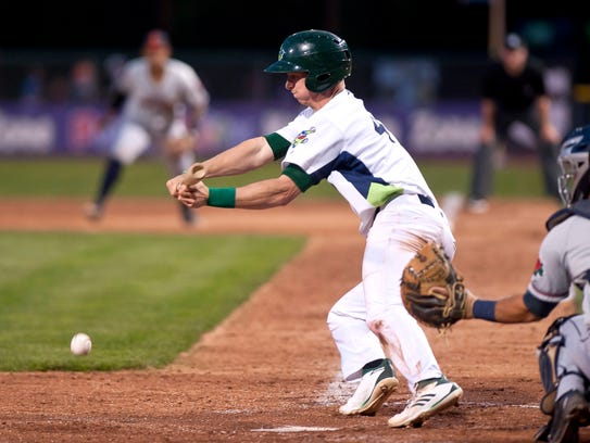 Vermont Lake Monsters shortstop Kevin Merrell attempts