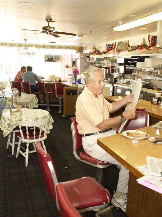 -073106 Warrens Restaurant 4.jpg_20060801.jpg