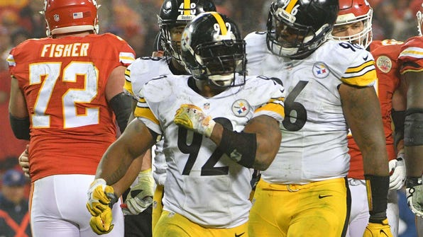 Jan 15, 2017; Kansas City, MO, USA; Pittsburgh Steelers outside linebacker James Harrison (92) reacts after a quarterback sack during the third quarter against the Kansas City Chiefs in the AFC Divisional playoff game at Arrowhead Stadium. Mandatory Credit: Denny Medley-USA TODAY Sports