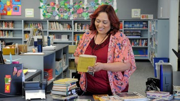 Ocean View Junior High librarian honored with national award