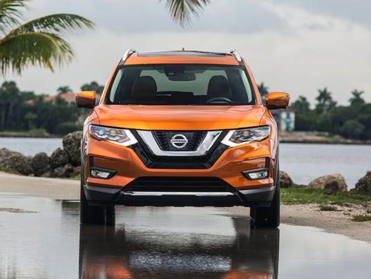 nissan plots roguish route to sales leadership with new small suv. Black Bedroom Furniture Sets. Home Design Ideas