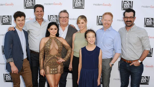Ariel Winter dishes on trolls, why she left UCLA: 'I don't know what it is about me'