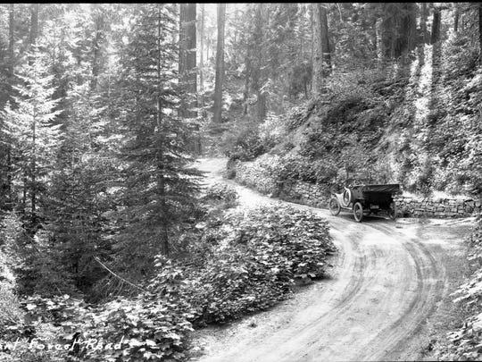 Unknown date, Generals Highway near Giant Forest, Vehicular use