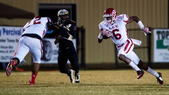 Lee's Henry Ruggs (6) carries against Wetumpka at Hohenberg