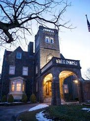 The University & Whist Club's Tilton Mansion at 805