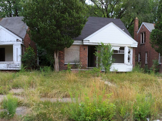 cities with the most abandoned homes