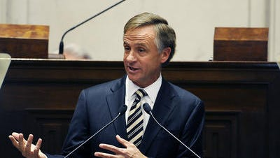 An education advocacy group with clear ties to Gov. Bill Haslam bashed an education plan gaining momentum in the House that they say undermines Haslam's current review of education standards.