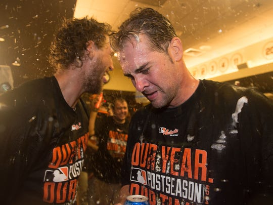 Hunter Pence and Ryan Vogelsong celebrate.