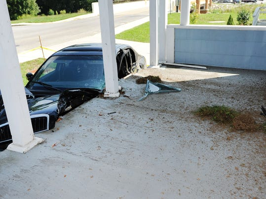 MAR car hit house 05.jpg