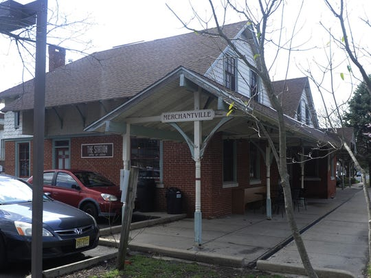 The Station in Merchantville is a coffee shop and cafe that shares space with Eiland Arts Center. The coffee shop offers fresh baked goods, crepes, smoothies, sandwiches and much more. The Station also hosts pop-up dinners, poetry, arts, holiday and other events.