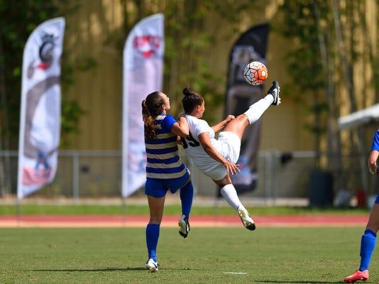 Women's soccer: Carol Rodrigues