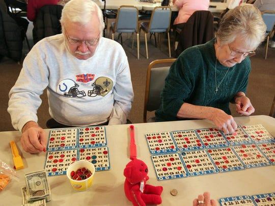2011.02.02.13.SW Bingo- Bingo players Husband and Wife