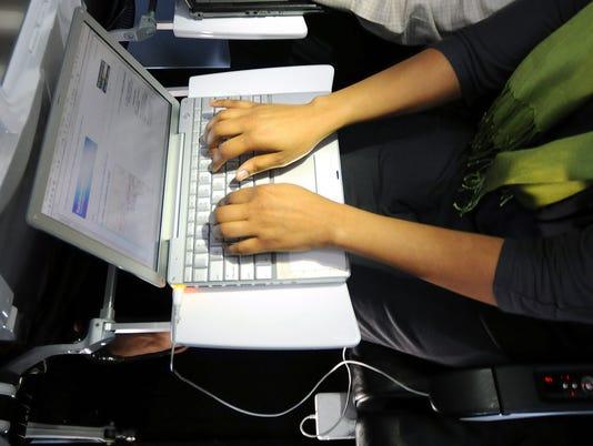 laptop_airlinee.jpg