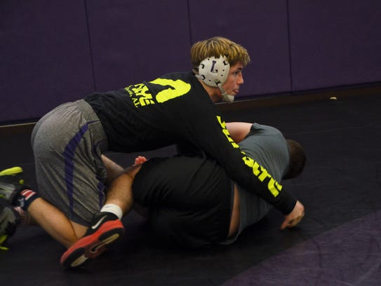 Lakeview junior Mason Evans practices ahead of the