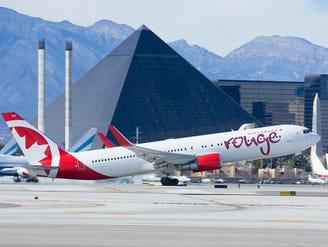 Best airports? Las Vegas, Orlando and John Wayne are tops, says J.D. Power