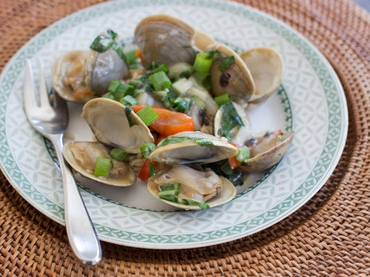Clams and bok choy with black bean sauce