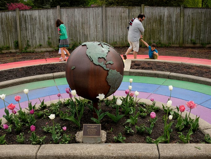Families visit the MSU 4-H Children's Garden on Mothers
