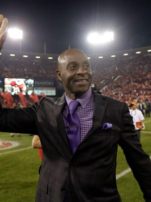 Jerry Rice says he could still play football.