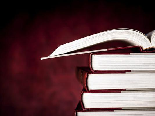 635688537326585337-school-books