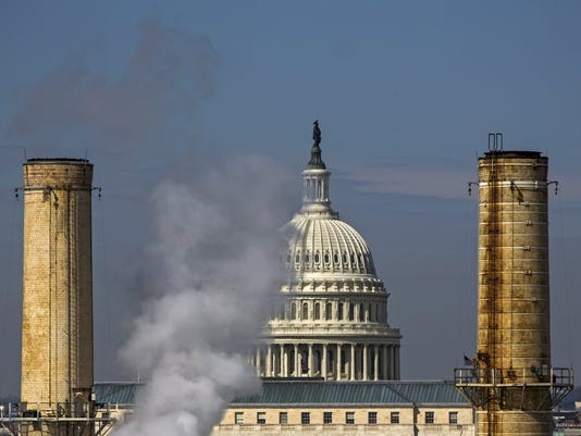 EPA (FILE) USA COP21 TRUMP ENV GOVERNMENT ENVIRONMENTAL POLITICS USA DC
