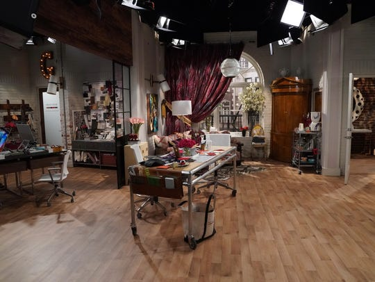 "A ""Will & Grace"" set during Season 1 of the show."