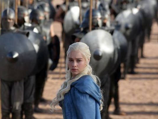 636025569516736672-636002953945207631-DAENRYS-TARGARYEN-GAME-THRONES-TV-JY-6218-55010073-1-.JPG