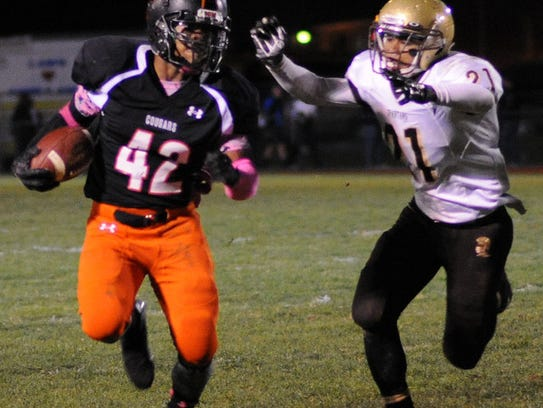 Senior running back Alon Rhette and Palmyra face a