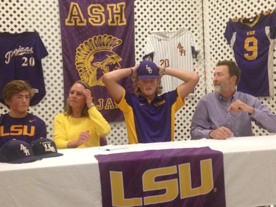 Alexandria Senior High pitcher Matthew Beck (second right) signed with LSU Thursday.