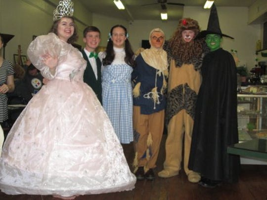 Left to right are the cast of The Wizard of Oz being presented at Clyde High School, Mia kardotzke, Good Witch; Wizard, Mason Davis; Dorothy, Shae Fultz; Scarecrow, Evan Zaleski; Cowardly Lion, Alex Kauble; Wicked Witch, and Alicia Klohn.