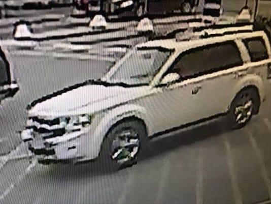 636624933740352906-suspect-vehicle.jpg