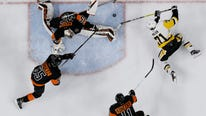Wayne Simmonds scored the 200th goal of his career and Steve Mason made 23 saves to lead the Philadelphia Flyers to a 4-0 victory over the Pittsburgh Penguins