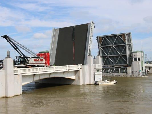 1-bridge-IMG-2010.JPG