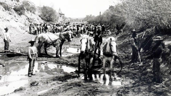 Construction of the Arizona Canal, a 41-mile stretch from the Salt River to the West Valley, was completed in 1885 and led to the development of Peoria.
