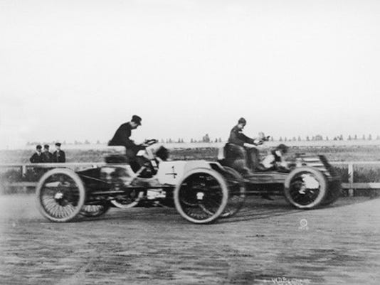 SFA 0913 MYVOICE Henry Ford driving Sweepstakes 1901 pix.jpg