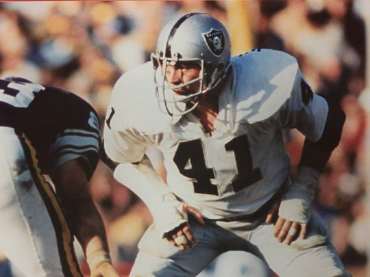 Picture of Phil Villapiano during his career with the Oakland Raiders in the NFL.