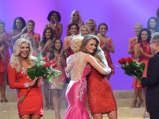 Miss Nashville, Hannah Bobinger (left) and Miss Scenic City, Hannah Robison (right).