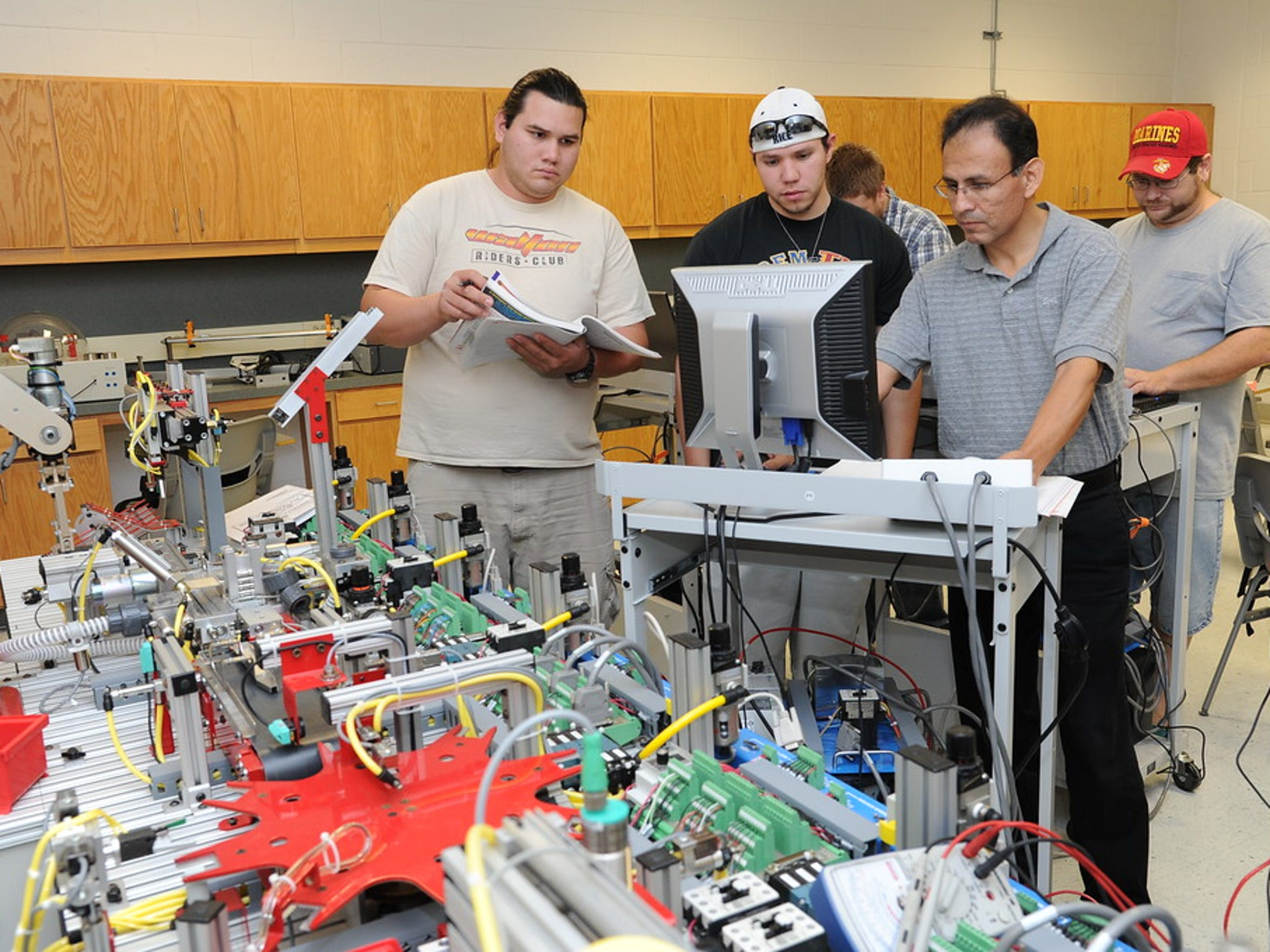 A group of A&M-Corpus Christi engineering students