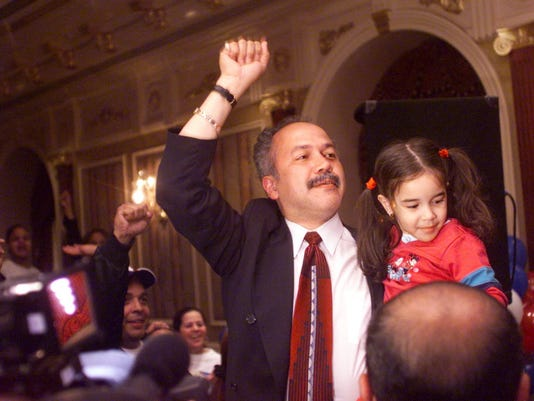Joey Torres wins Paterson mayoralty in 2002