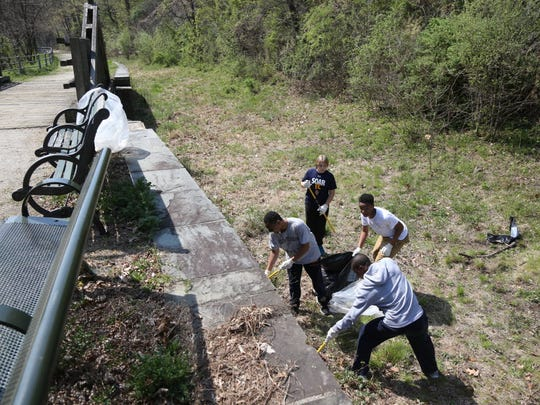 Earth Day Clean Up at Great Falls National Park by