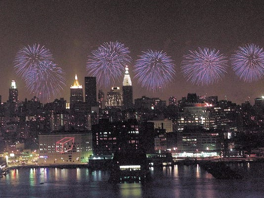 636346903067229201-fireworks.JPG
