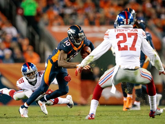 New York Giants cornerback Donte Deayon (38) pulls