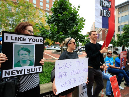 Protesters outside the Alexandria, Va., courthouse